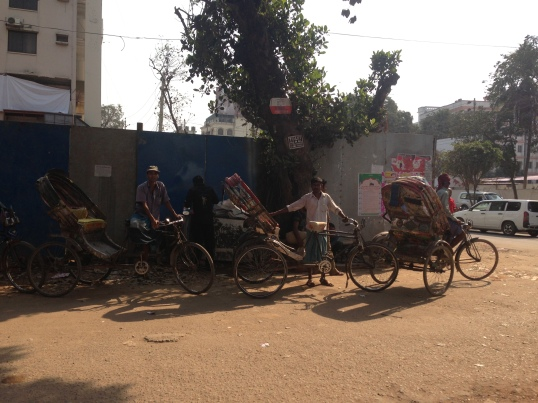 local rickshaw drivers in Gulhan, Dhaka